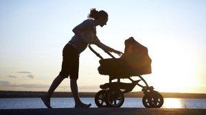 553580-cm-life-families-travel-pram